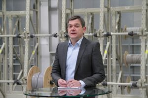 Geschäftsführer Andreas Hamacher thematisierte in seinem Vortrag vor allem den Fachkräftemangel. Bild: Michael Thalken/Eifeler Presse Agentur/epa